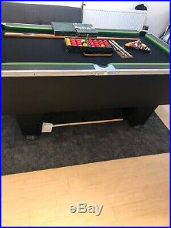 6 foot pool table With Automatic Ball Return And Accessories