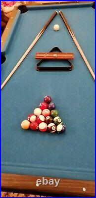 6ft POOL TABLE 6 x 3 Balls, cues and accessories