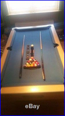 Blue cloth Pool Table 7x4 ft and accessories