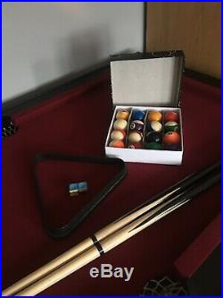 Riley 5 Foot Pool Table including Accessories